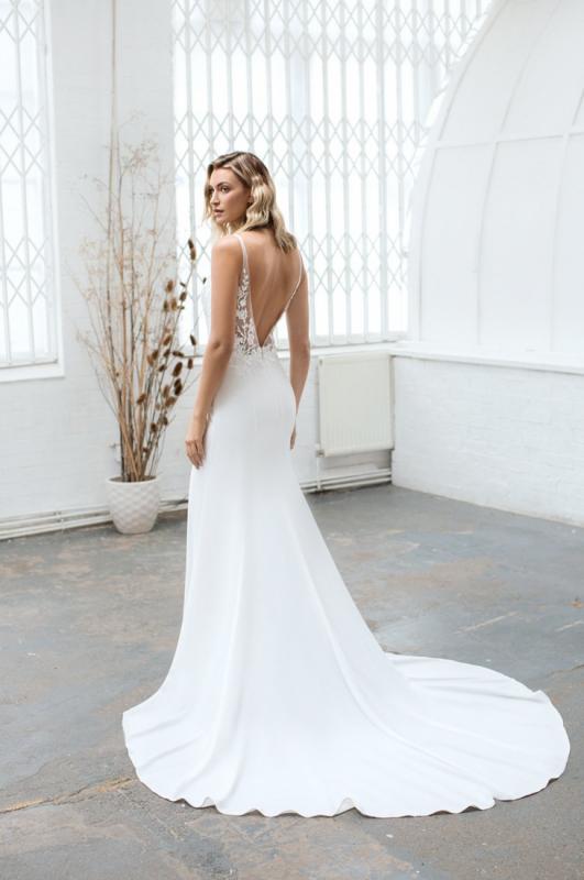 Rita-dress-silk-silk-crepe-wedding-dress-love-story-bride