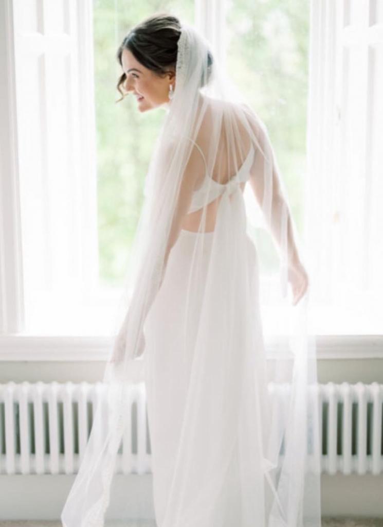 Lisa-Agata-wojtkiewicz-white-and-gold-real-bride