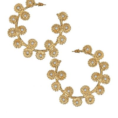 gold-floral-pearl-hoop-earrings