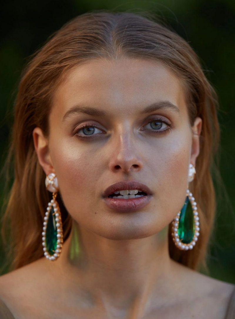 emerald-green-statement-earrings