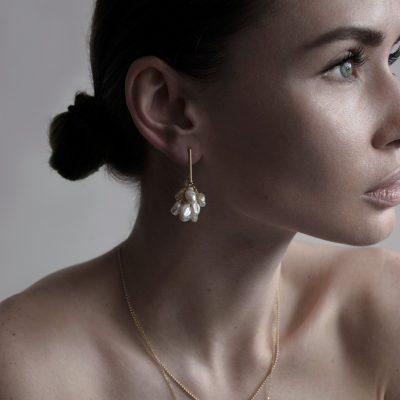 pearl-gold-drop-earrings